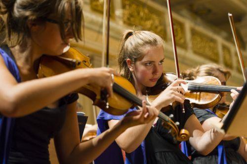 Tineri muzicieni români selectaţi în European Music Campus Orchestra 2016