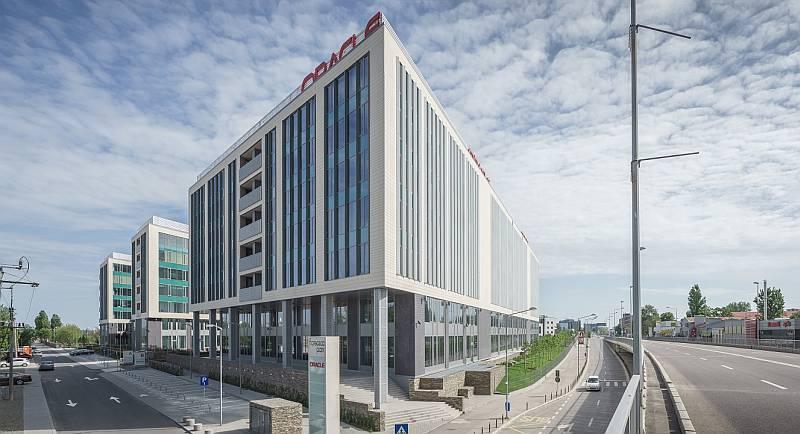 Resolution Property și Zeus Capital Management finalizează prima achiziție majoră de birouri în București