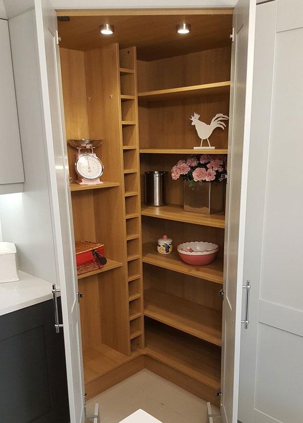 Do You Sell Walk In Kitchen Corner Larder Units Diy Kitchens Advice