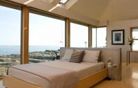 7 Bedrooms That Prove Your Bed Doesn't Have To Go Against ...