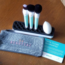 beauticmakeup brushes stand with sponge and accessories photo by alison blackman for advicesisters.com