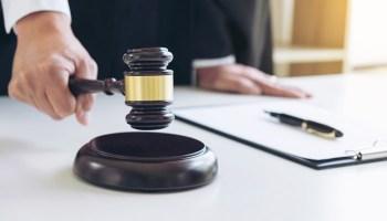 Edward Jones Sued for Shuttling Customers to Fee Accounts