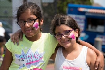 Camila Harro and Gabriella Barbosa sported matching flower face paint at the tennis day in Devir Park on Tuesday.
