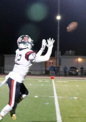 Eric Bua with one of his many great catches last Friday night at Veteran's Stadium in Peabody.