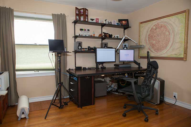 One Secret To Making A Door Desk Is To Use A Solid Core Door. That Makes It  Heavy And Solid. You Can Screw Anything Into It And It Stays In Place.
