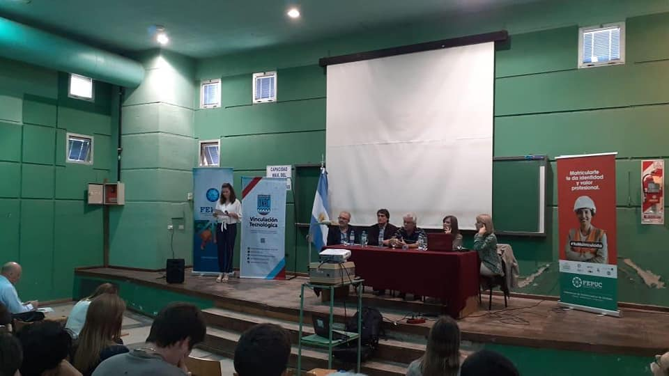 """VI Encuentro Provincial de Graduados y Organizaciones Profesionales - Desarrollo regional, nuevas tecnologías e inserción laboral"""" 3"""