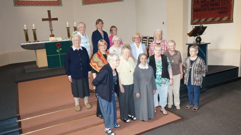 Kaiserswerther Schwestern in der Mutterhaus Kirche
