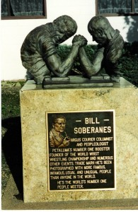 Bill Soberanes Statue en Petulama
