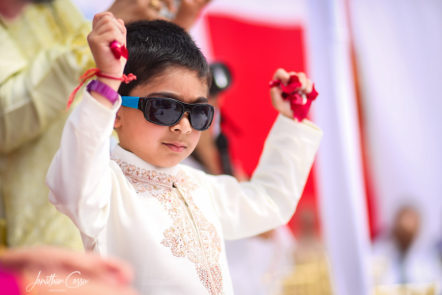 Kids at Weddings. Jonathan Cossu Indian Wedding Photographer in Cancun, Mexico