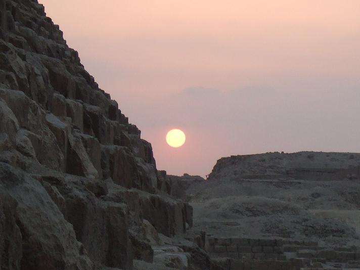 Sunset at Khufu.