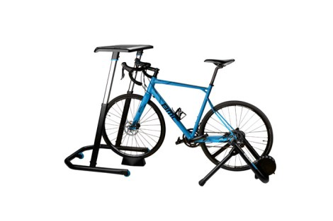 wahoo_fitness_cycling_desk_with_bike