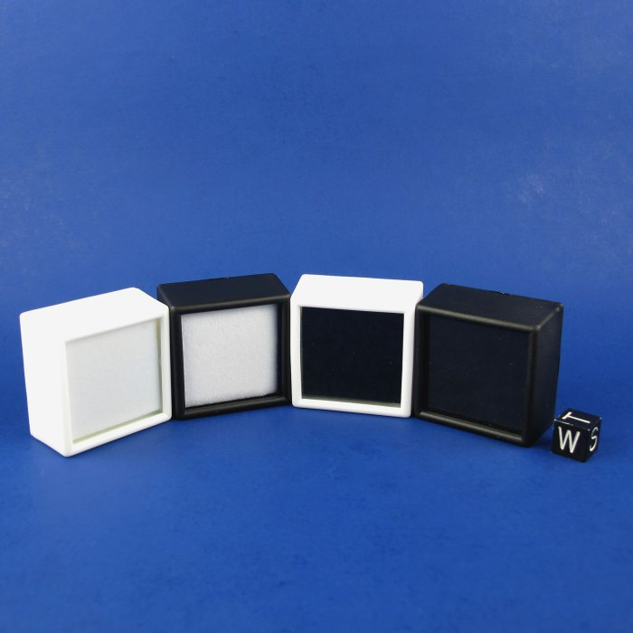 Small Display Box