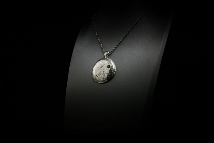 silver-moon-pendant-ii