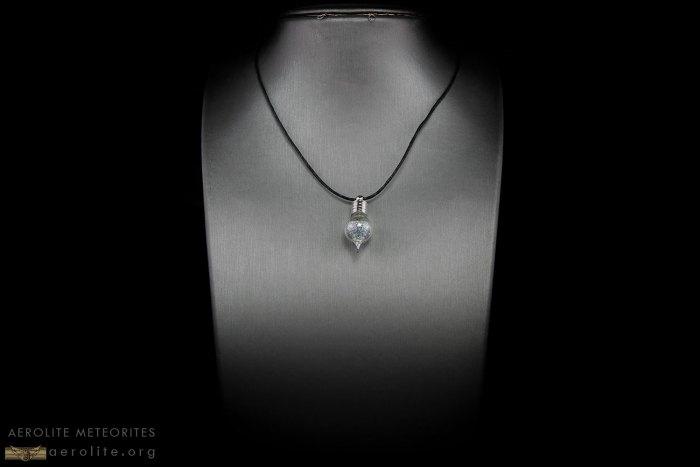 moon-glass-pendant-ii