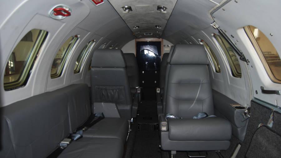 n1230jp-interior