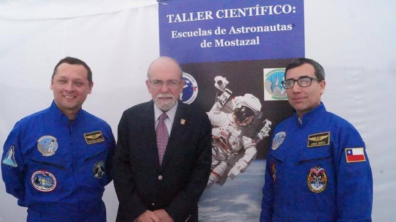 Escuela-de-Astronautas-Mostazal-Chile-5-800x449