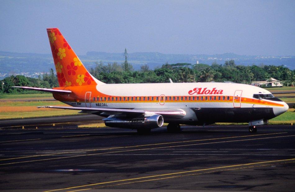 427al_-_Aloha_Airlines_Boeing_737-200;_N823AL@ITO;03.10.2006_(4708855811)