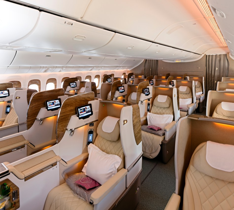 Business-Class-Cabin-on-Boeing-777---300ER (2)