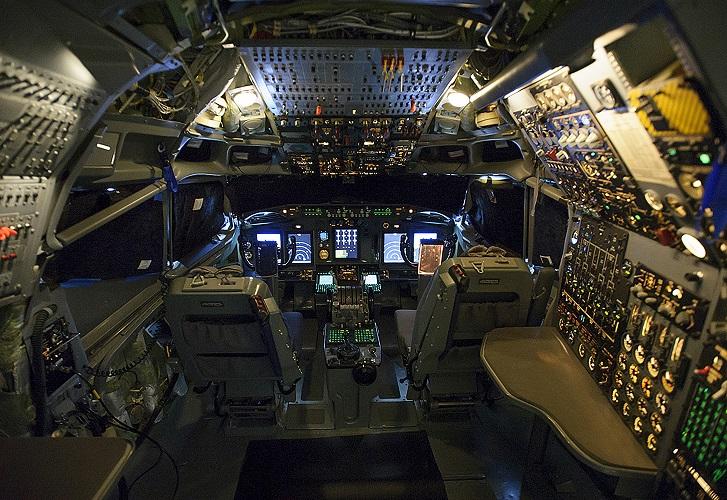 NB_NATO.AWACS_FlightDeck_med-res