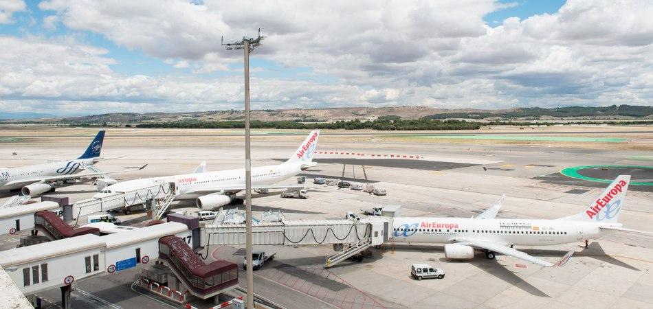 conduccion_pasarelas_embarque_pasajeros_aeropuerto_madrid_barajas