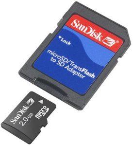 Carte MicroSD SanDisk et son adaptateur carte SD