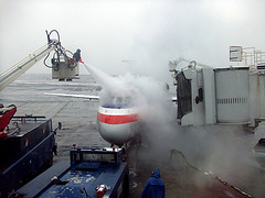 Aircraft De-icing - Aerosavvy