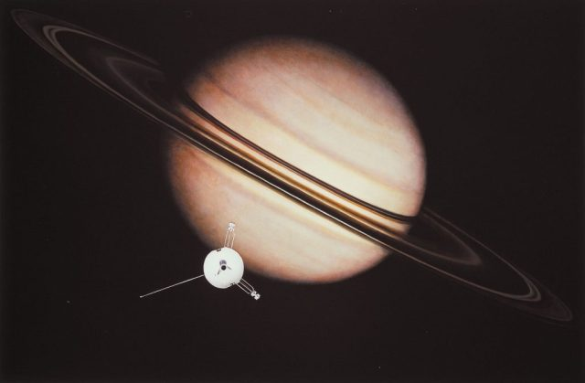 Pioneer 11 flyby Planet Saturn picture