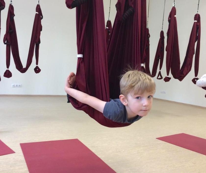 Детская йога и аэройога
