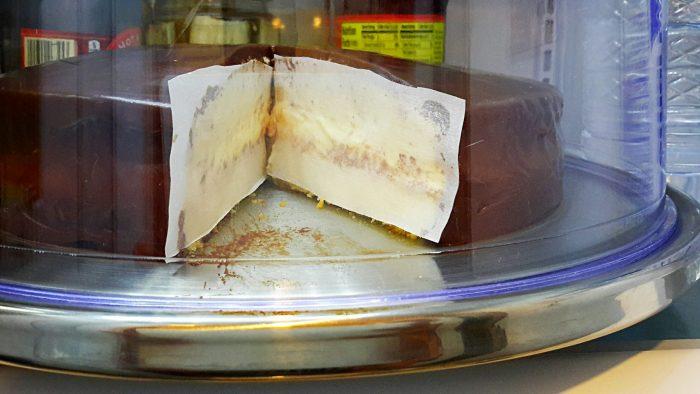Keeping cake moist - cake basics