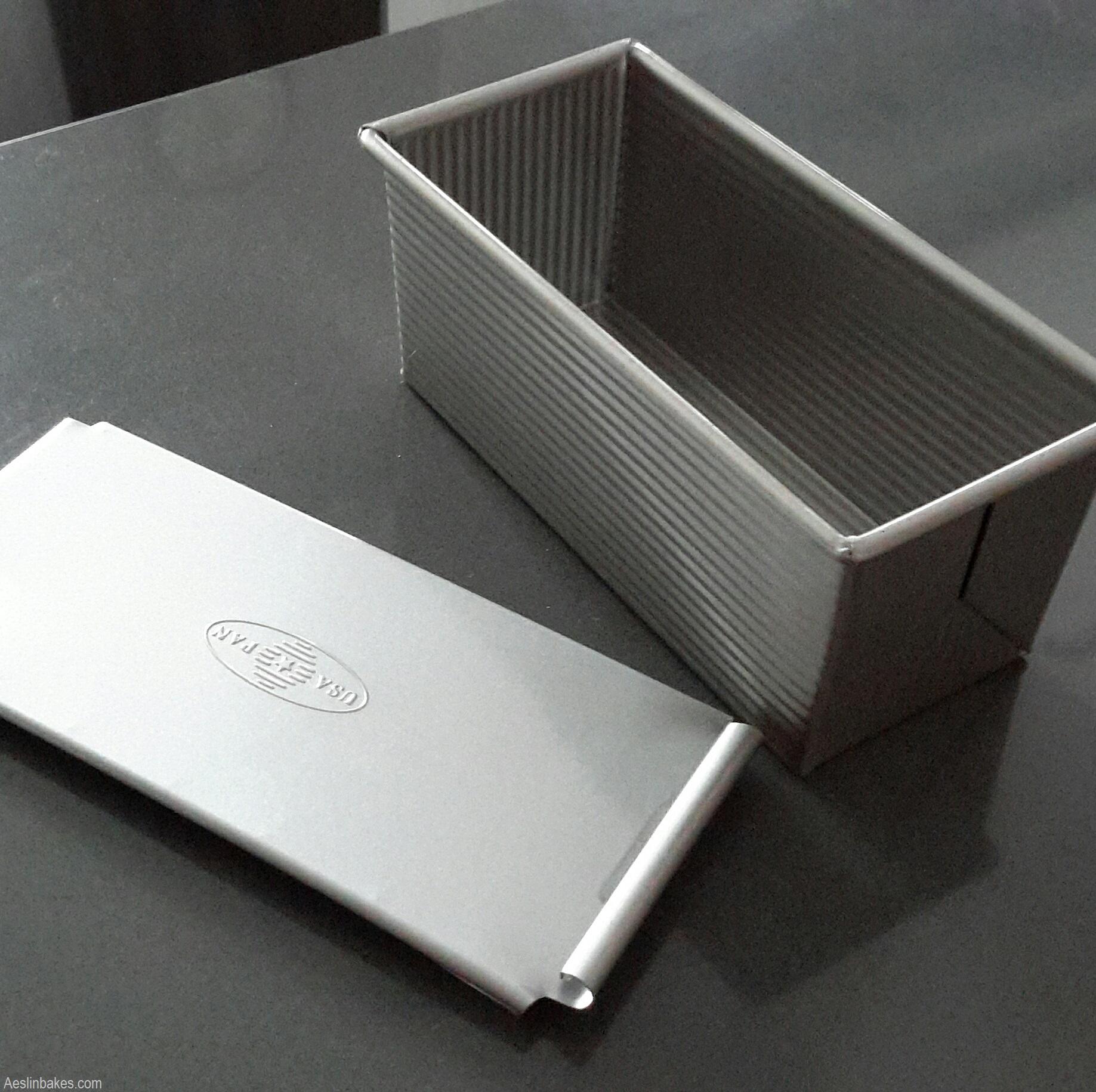 9x4-inch Pullman pan