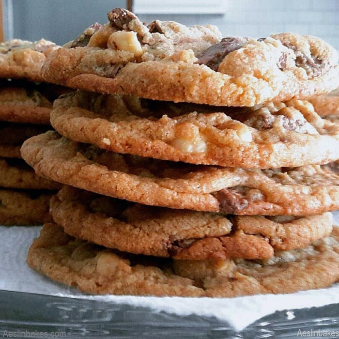 Chewy Brown Butter Chocolate Chunk Cookies