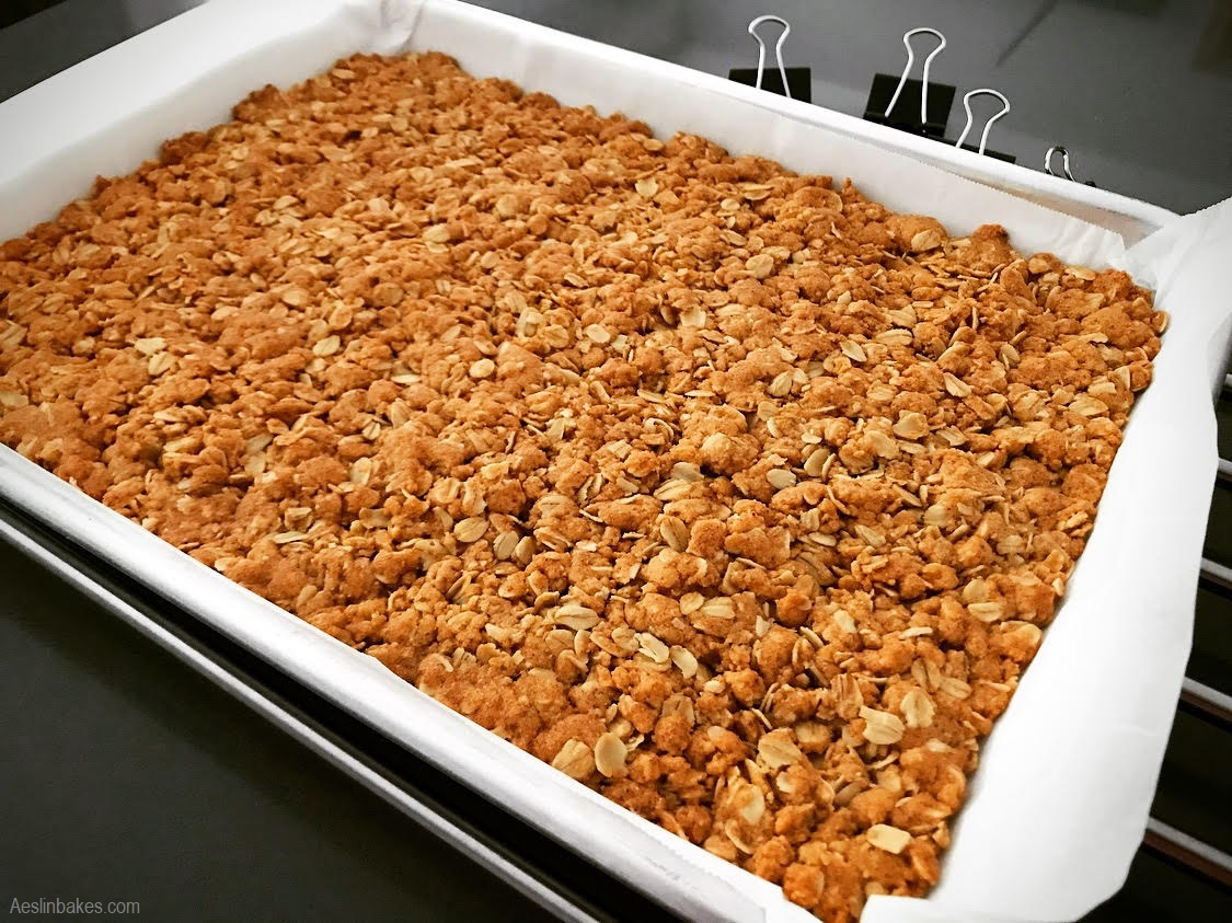 Baked oatmeal cookie