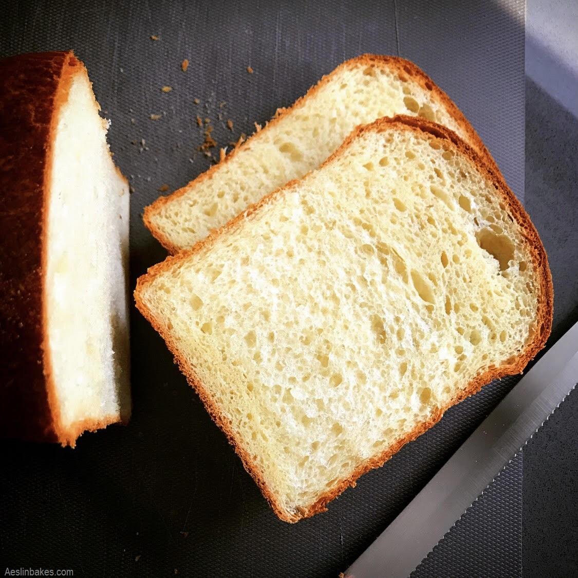 brioche loaf slices