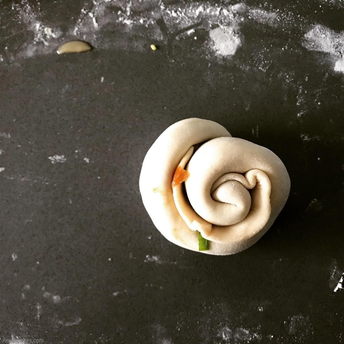 coiled scallion pancake