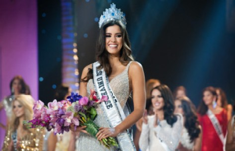 Pemenang Miss Universe 2015 Seorang Penggemar Bola