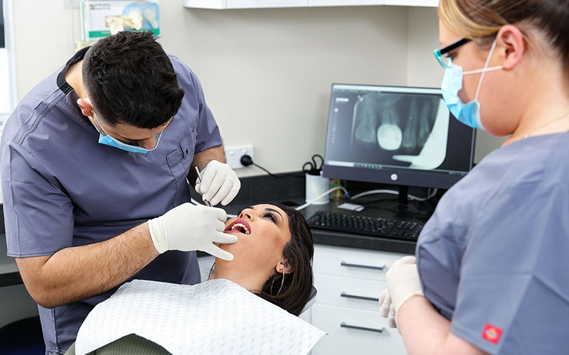 Teeth Whitening Aesthetic Denture Clinic