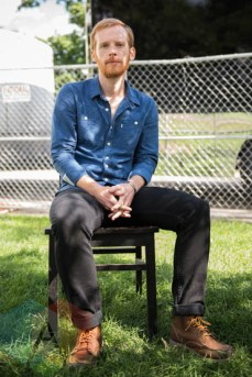 Kevin Devine at Riot Fest Chicago 2015 in Chicago, IL. (Photo: Katie Kuropas/Aesthetic Magazine)
