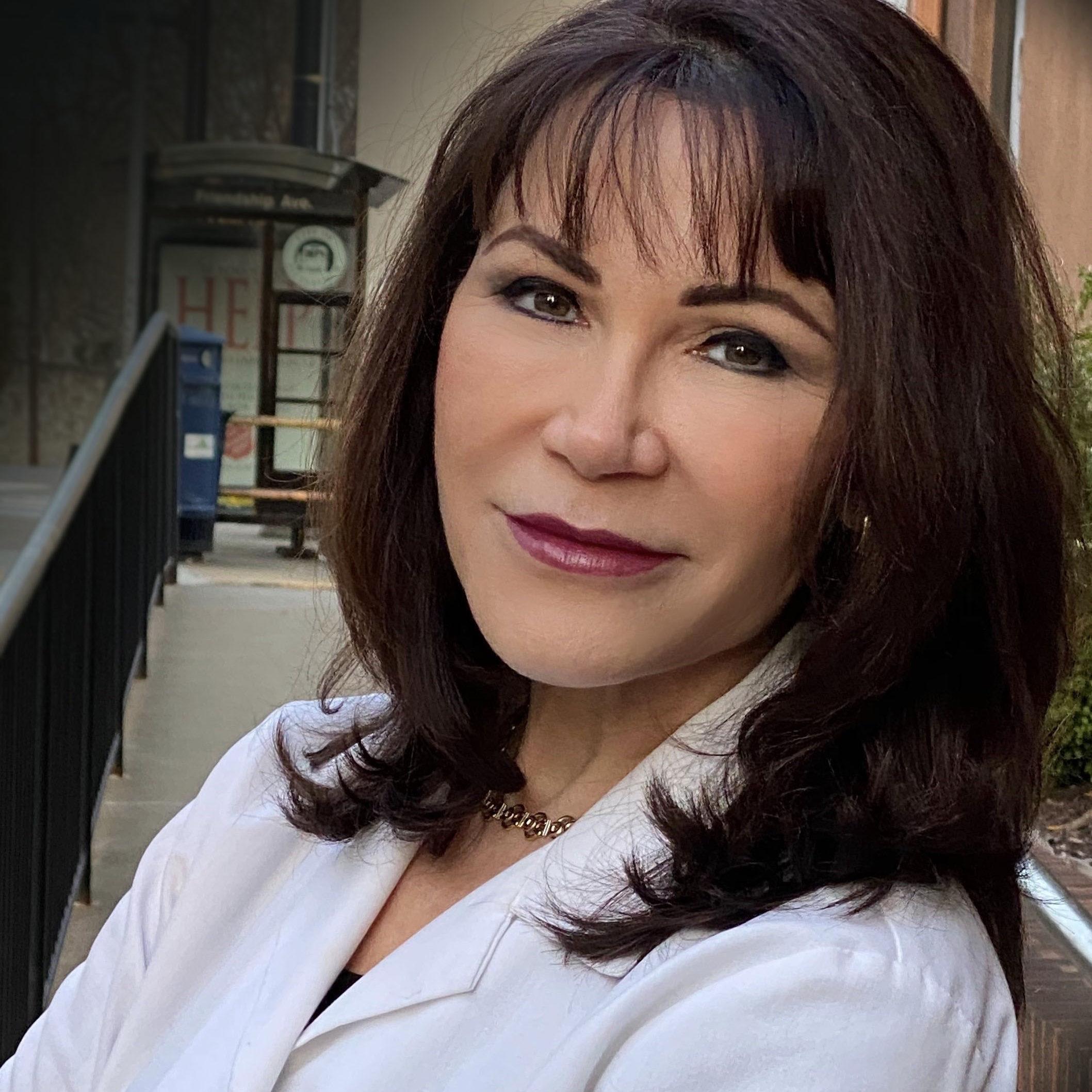 Dr Roxana Barad 2