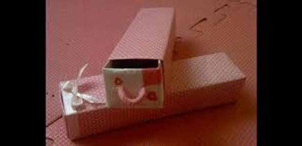 Porta-trecos com caixa de creme dental