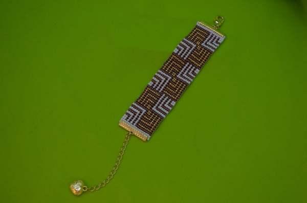 pulseira de miçanga no tear 028
