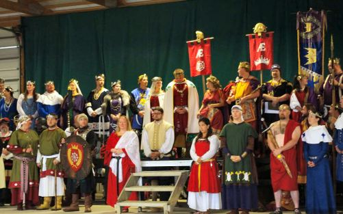 Opening Ceremonies at Pennsic 43. Photo by Mistress Rowena ni Dhonnchaidh.
