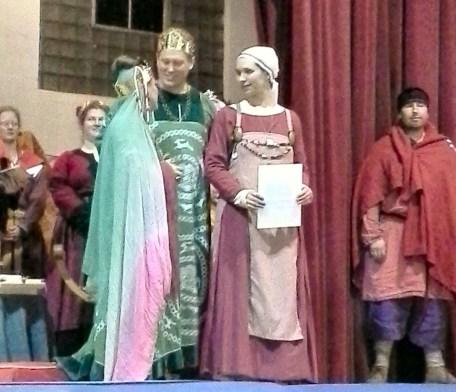 Their Majesties present Lady Tiðfriðr Alfarinsdottir to the populace.