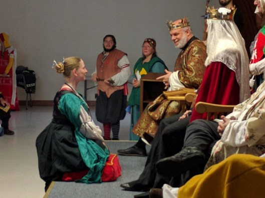 Lady Crystal MacUrsus receives her Keystone. Photo by Master Alexandair O'Conchobhair.