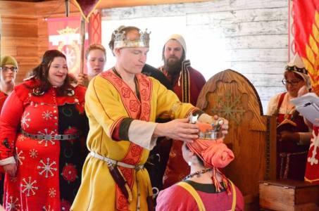 Sven crowns Siobhan