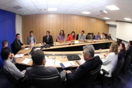mesa de negociacao