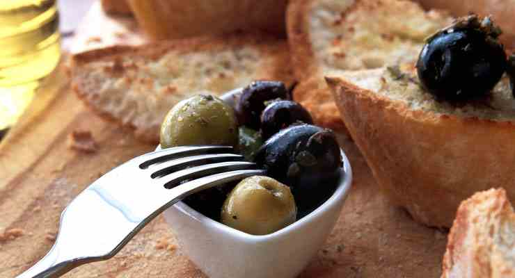 Photodune Olives and Bread