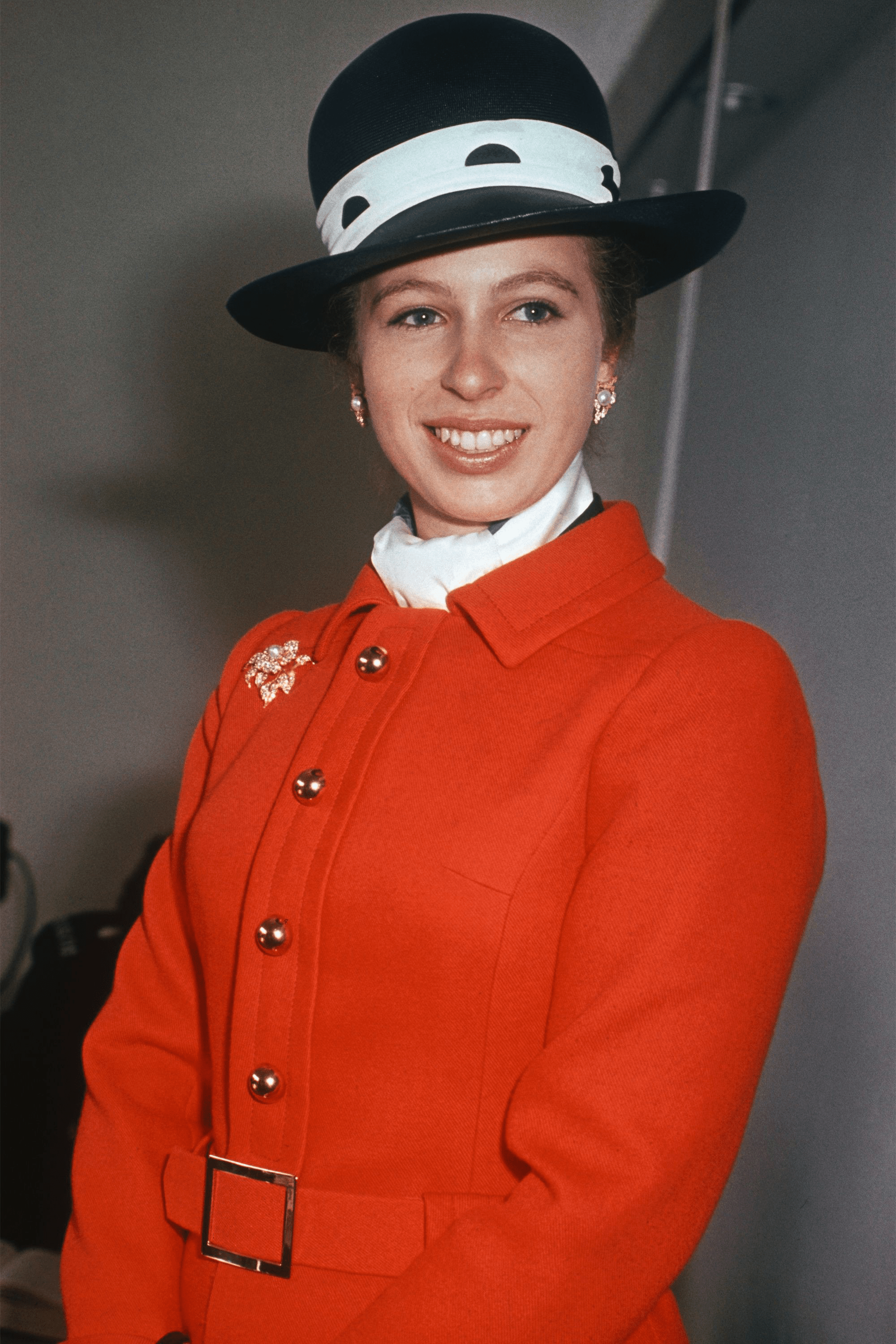 1503216290-hbz-princess-anne-1969-gettyimages-515285122-1502998274