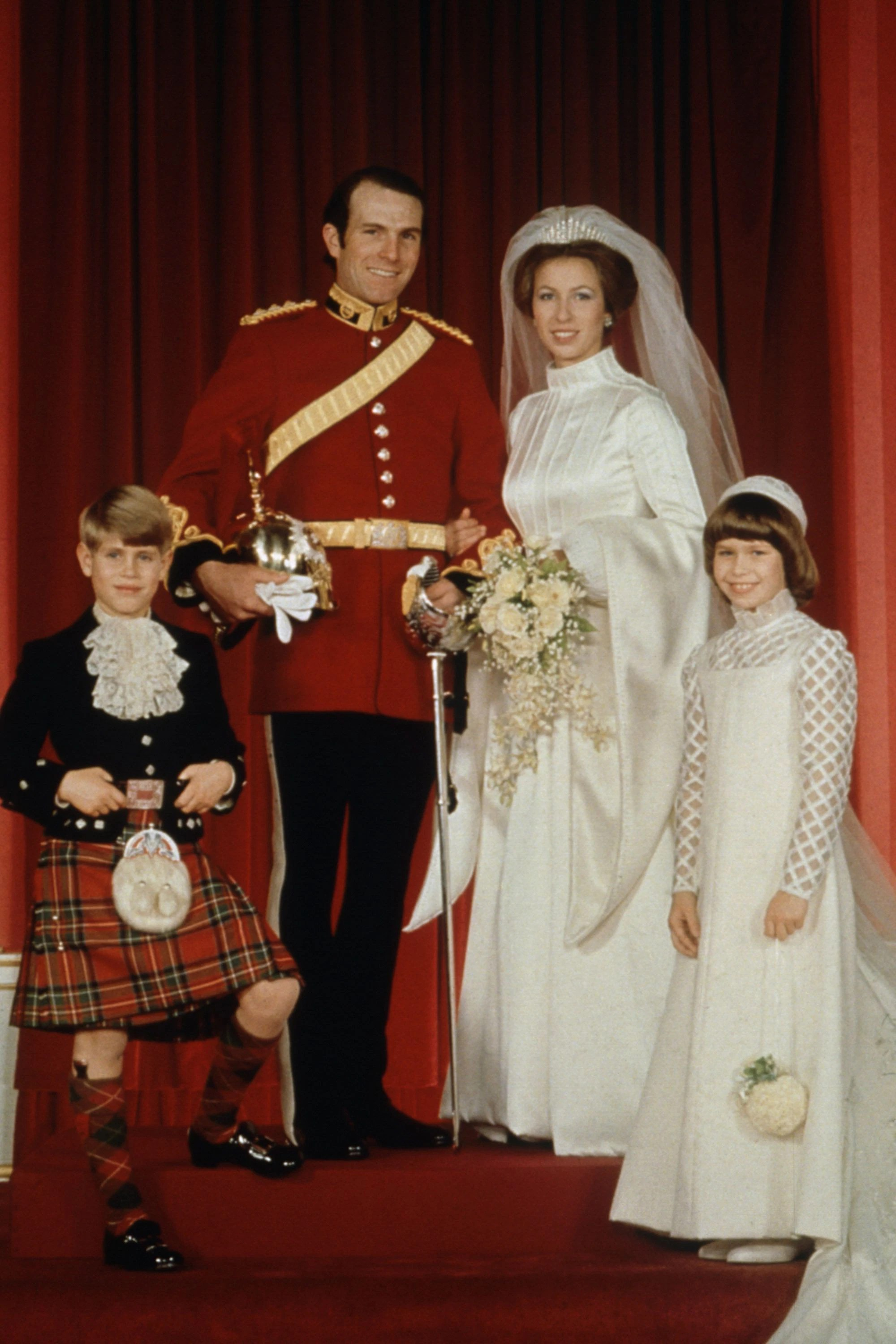hbz-weddings-princess-anne-gettyimages-613463158-1497640110