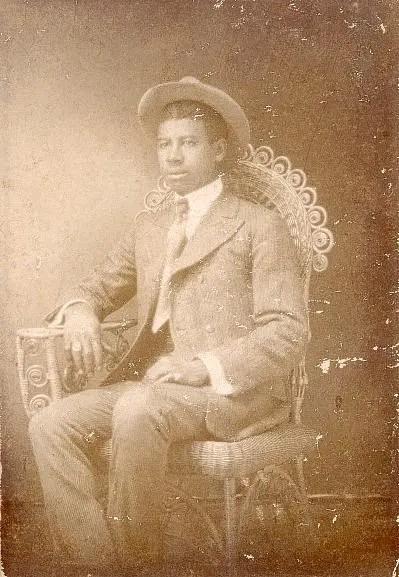 TAYLOR -- Roderick Taylor 1905