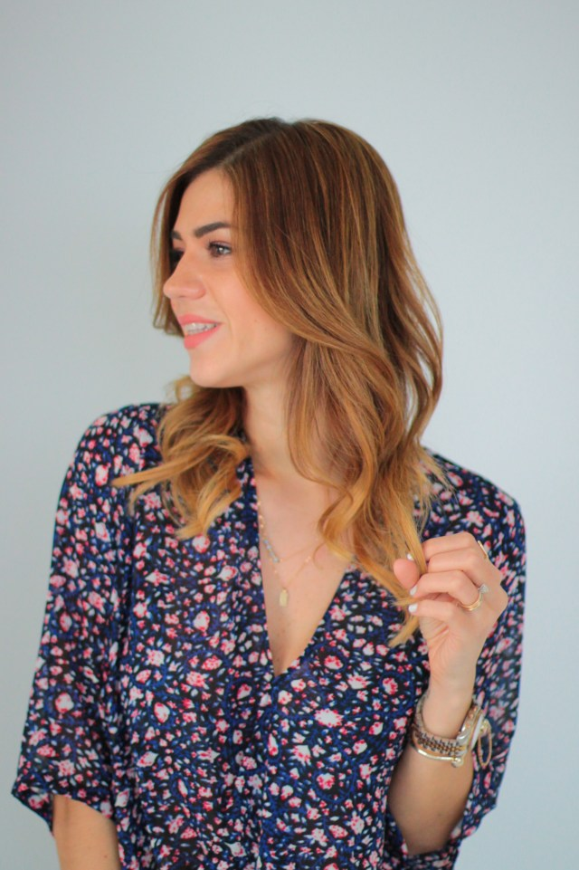 amanda tur, miami fashion blogger, how to curl hair, simple hair styles, how to hair style, spring summer trending hair styles, tousled curls, beach curls, a fancy affair , hair extensions, taped hair extensions, hot heads, bellami hair